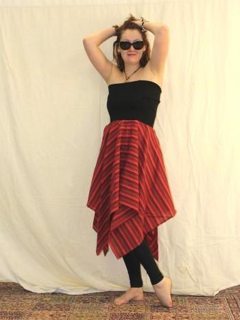 Jupe ou robe bustier rouge déstucturée
